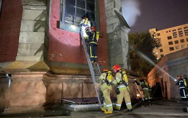 У Києві локалізували пожежу в соборі Святого Миколая, згорів орган