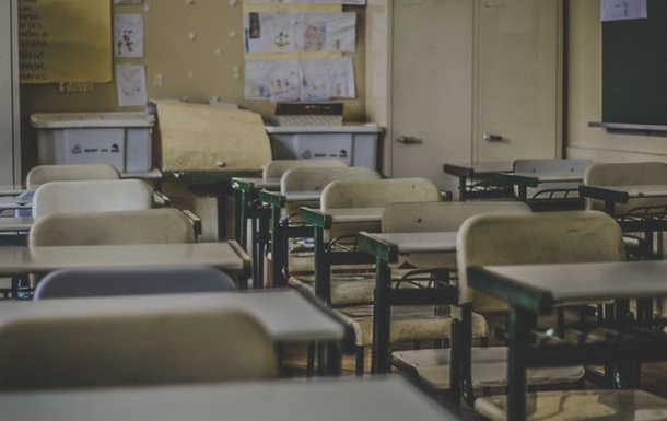 В школах классы начали уходить на самоизоляцию