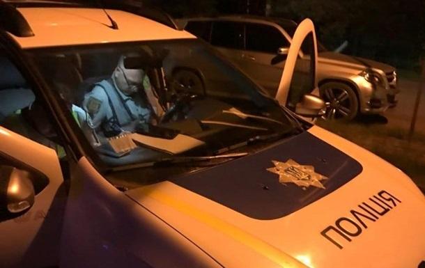 У Києві чоловік погрожував підірвати гранату в багатоповерхівці