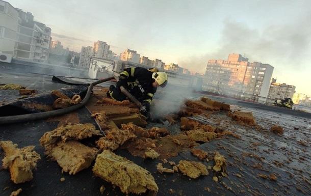 У Києві 40 осіб гасили пожежу в сауні бізнес-центру