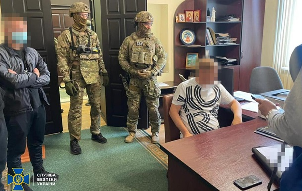 В Полтаве депутат горсовета взят под арест по подозрению в получении взятки