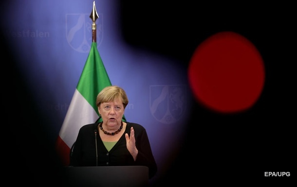 Меркель хоче домовитися з талібами про продовження евакуації