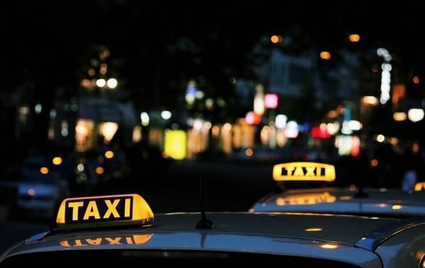 У Києві таксист побив італійку
