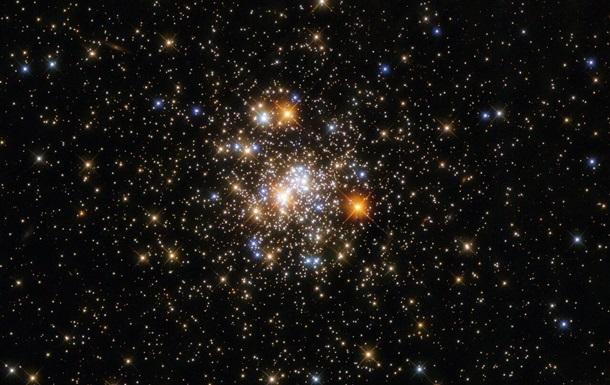 Hubble показав кулясте скупчення зірок у сузір ї Стрілець