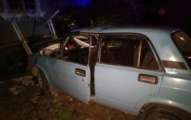 На Буковине водитель упал в колодец после ДТП