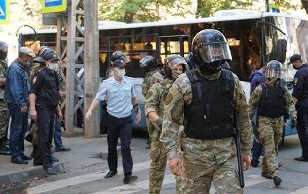 Затримання кримських татар: в Україні відкрили справу про військовий злочин