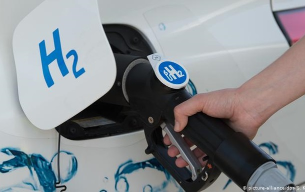 У Німеччині водневу техніку для транспорту створюватимуть нові центри