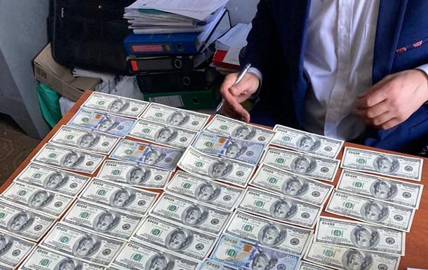 В Киеве пытались подкупить полицейского за $30 тысяч
