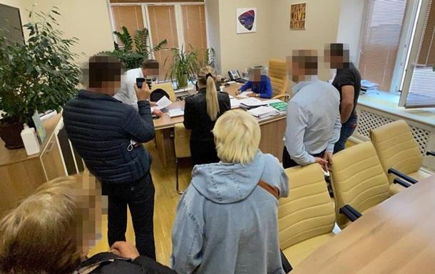 У департаментах КМДА йдуть обшуки через передачу ділянок у центрі Києва