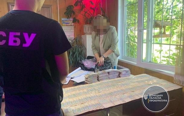 На Донетчине чиновница попалась на взятке в 2 млн гривен