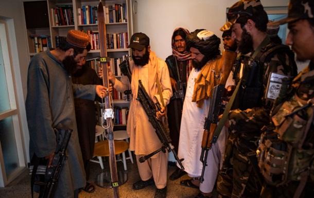 Талибы уничтожили в посольстве Норвегии диски с музыкой и фильмами