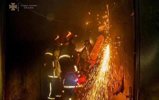 В Киеве произошел крупный пожар, есть жертва