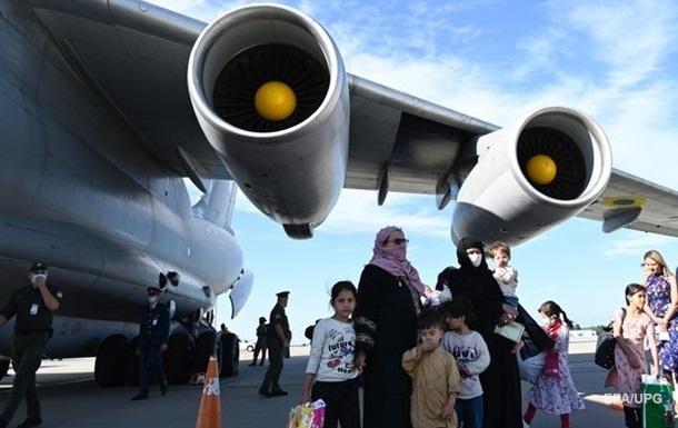 З Афганістану евакуювали українку з дитиною - МЗС