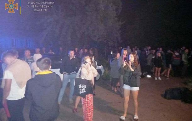 У Чернігові через пожежу в гуртожитку евакуйовані 49 осіб