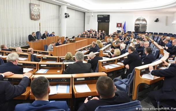 Сенат Польщі відхилив спірний закон про телерадіомовлення