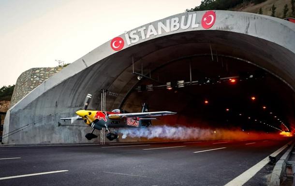 Летчик Дарио Коста установил пять мировых рекордов