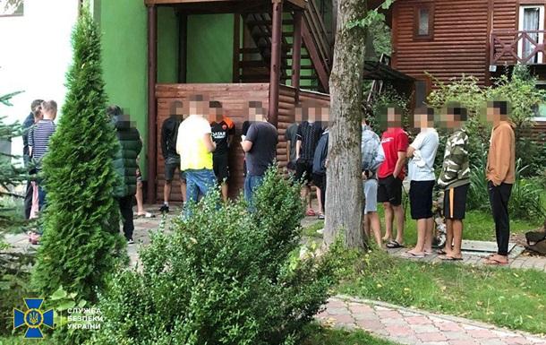 На Львівщині затримали 24 нелегалів із Бразилії
