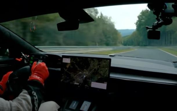 Нова модель Tesla побила рекорд швидкості