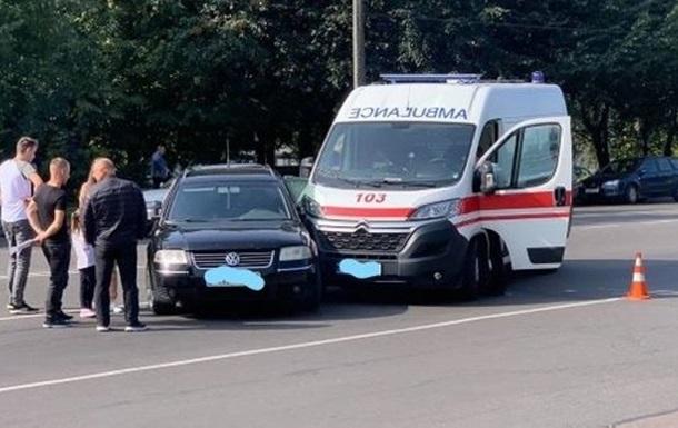 `Скорая` попала в ДТП в Житомире: погиб пациент, которого везли в больницу