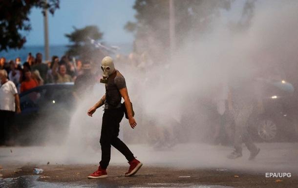 У Греції поліція розігнала протести сльозогінним газом і водометами