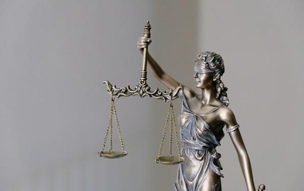 Суд призначив  умовне  покарання чоловікові, який стріляв у поліцейських
