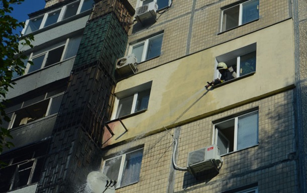 В Днепре пожар на балконе многоэтажки распространился на три квартиры