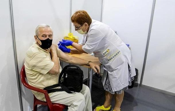 За добу в Україні зробили 45 тисяч COVID-щеплень