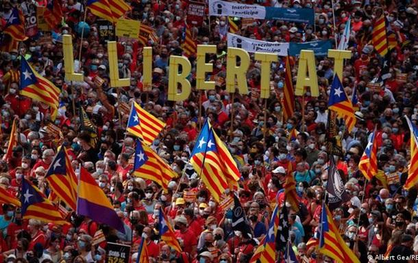 У Каталонії понад 100 тисяч людей вийшли на демонстрацію за незалежність