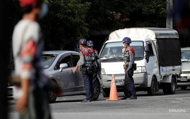 У М`янмі в пункті перевірки на коронавірус вибухнула бомба
