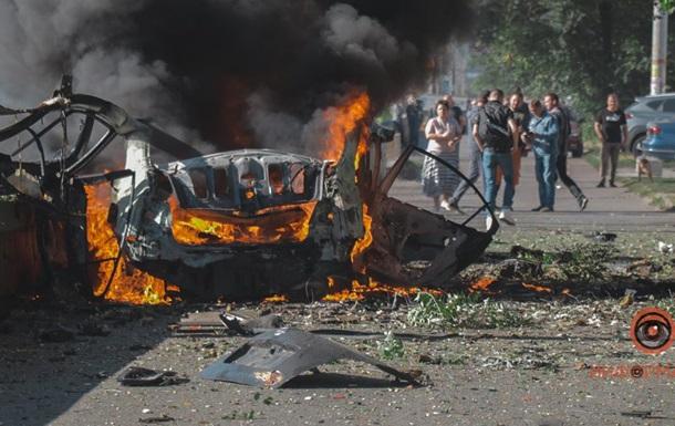 В Днепре двое мужчин погибли при взрыве автомобиля
