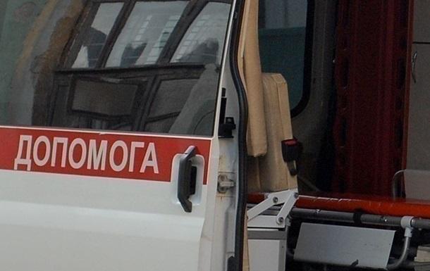 В центре Львова женщине на голову упал кирпич