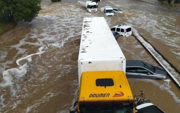 Во Франции ливни спровоцировали наводнения