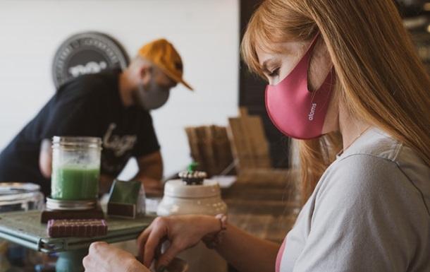 В МОЗ рассказали, как избавиться от дискомфорта при ношении маски