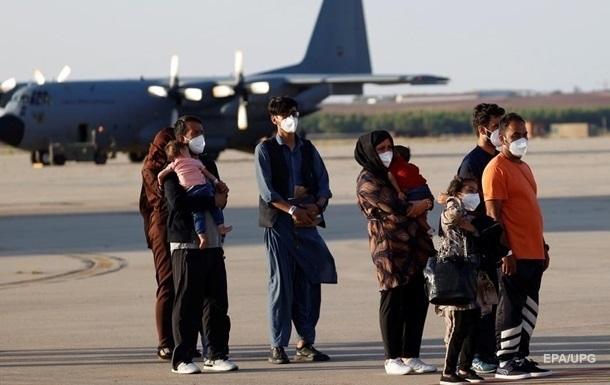 В Афганістані масово торгують підробленими візами