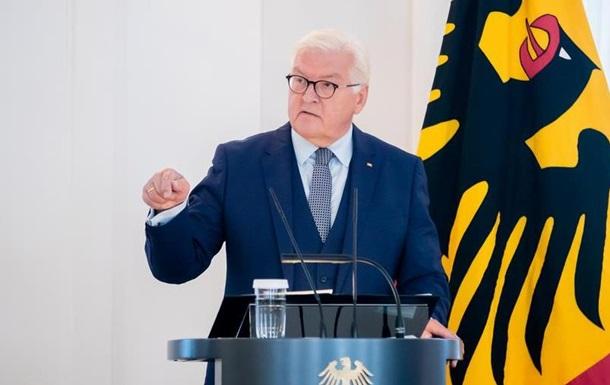 Штайнмаєр запевнив країни Балтії: НАТО не лишить їх наодинці
