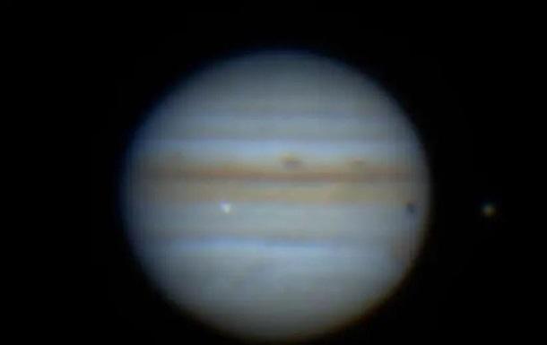 Астрономы засняли столкновение Юпитера с неизвестным объектом