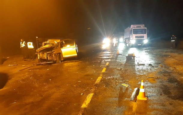 На Сумщине в ДТП с грузовиком погибли три человека