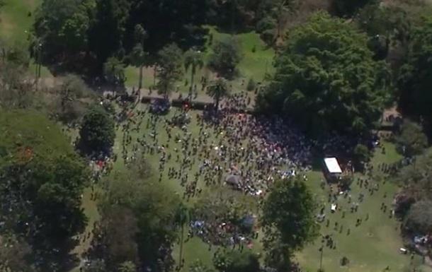 Протесты против карантина в Австралии: сотни задержанных