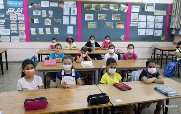 В Израиле школьников обязали сдавать COVID-тесты