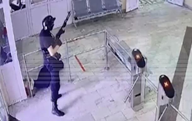 З`явилося відео бійні у Пермі