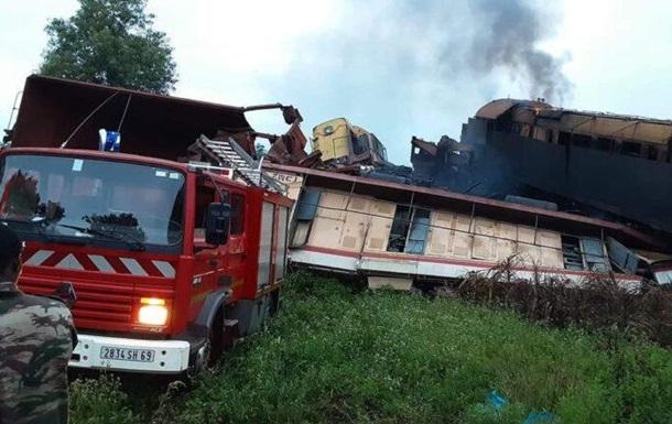 Два поїзди російського РусАла потрапили в аварію у Гвінеї