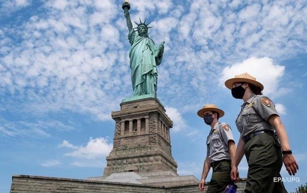 США с ноября откроют границы для полностью привитых туристов