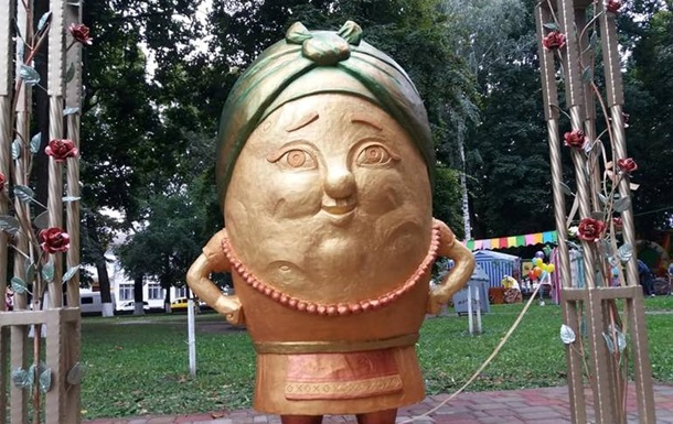 На Житомирщині встановили пам`ятник картоплі