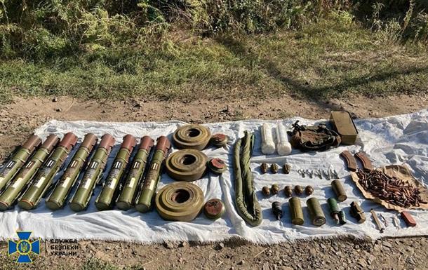 В Донецкой области у ж/д станции обнаружили схрон со взрывчаткой