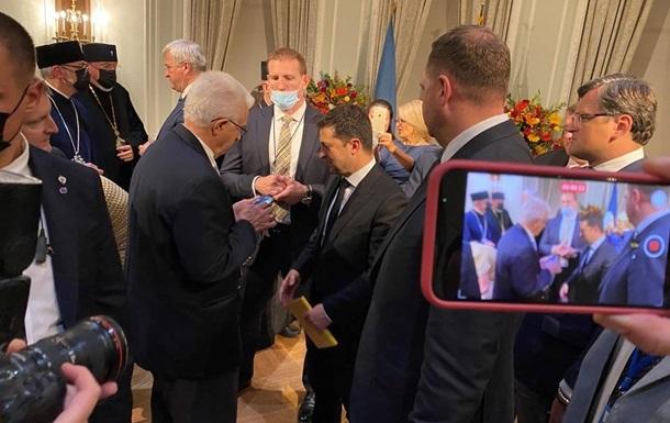 Зеленский на встрече с диаспорой США обсудил Донбасс и двойное гражданство