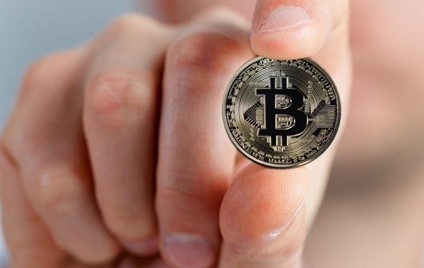 Цена биткоина впервые с августа упала ниже $40 тысяч