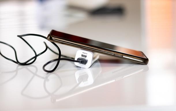 В ЕС будет использоваться единая зарядка для смартфонов
