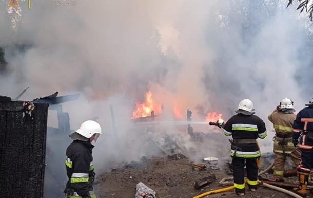 Спасатели ликвидировали пожар в поселении ромов