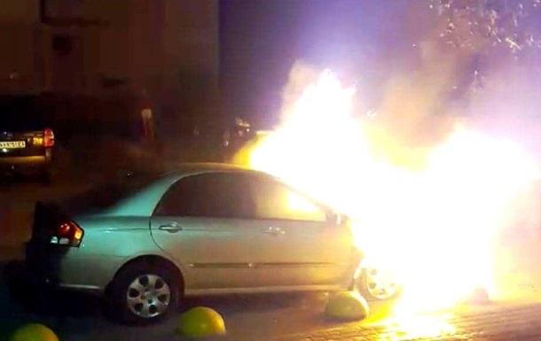 Возобновлено следствие по делу о поджоге авто журналиста Радио Свобода