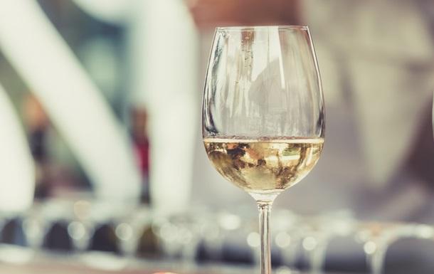 В Киеве могут отменить запрет на продажу алкоголя ночью